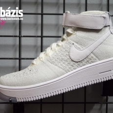 Nike Air Force 1 Flyknit 'Triple White'