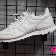 Internationalist Premium