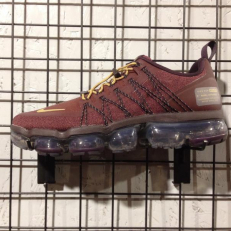 Nike Air VaporMax Run Utility - Burgundy Crush/ Mettalic Gold - Burgundy Ash - Sail