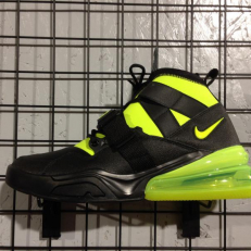 Nike Air Force 270 Utility - Black/ Volt