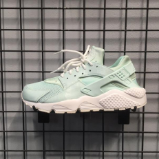 Nike Air Huarache Run SE 'Igloo'