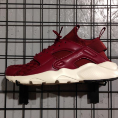 Nike Air Huarache Run Ultra 'Team Red'