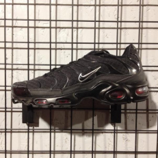 Nike Air Max Plus - Black/ Metallic Silver