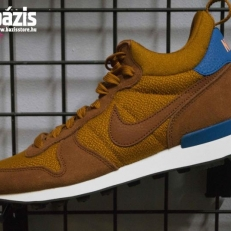 Internationalist Mid
