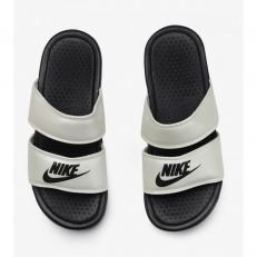 Nike W Benassi Duo Ultra Slide - Oil Grey/ Pale Ivory/ Gris Petrole